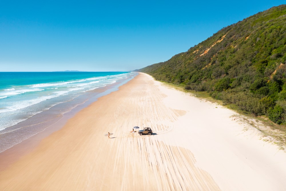 Noosa North Shore - 4wd in the middle of open beach